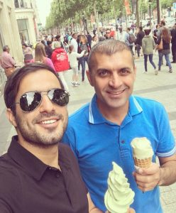 بستنی خوردن سرمربی ایرانی در خیابان های پاریس + عکس