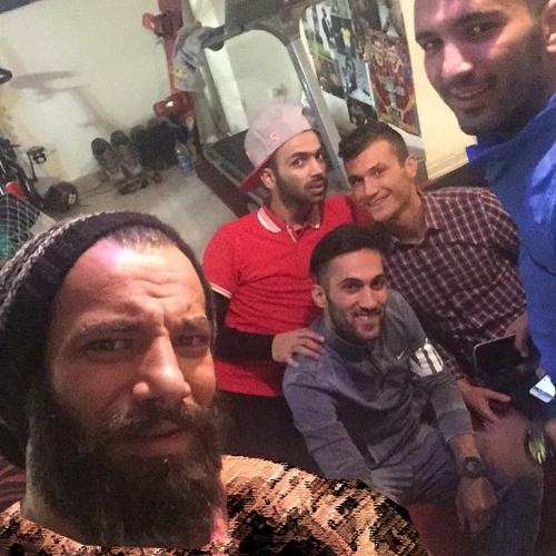 عید دیدنی صادقیان و مسلمان در خانه خواننده زیرزمینی + عکس