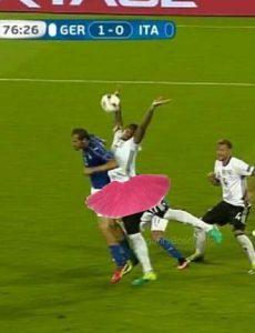شوخی با بازیکن آلمان که مقابل ایتالیا پنالتی داد + تصاویر