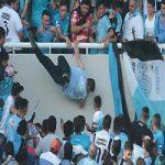 درگذشت هوادار فوتبال در پی سقوط از طبقه دوم ورزشگاه +عکس