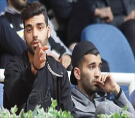 مسلمان و طارمی در کنار بازیگر معروف و همسرش