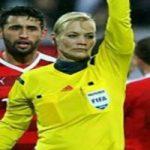 جریمه عجیب بازیکن بخاطر توهین به داور زن فوتبال مردان