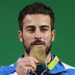 کیانوش رستمی مدال طلای المپیک خود را به حراج میگذارد