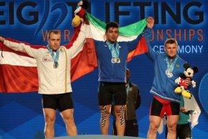 علی هاشمی قهرمان دسته ۱۰۵ کیلوگرم وزنه برداری جهان شد