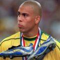 فاش شدن راز مدل موی عجیب رونالدو برزیلی در جام جهانی ۲۰۰۲