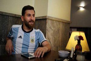 ملاقات غیرمنتظره ژاوی و بدل ایرانی لیونل مسی