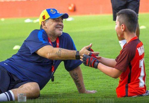 مارادونا اسطوره فوتبال آرژانتین