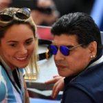 حرکت غیراخلاقی دیگو مارادونا در ورزشگاه باعث قطع همکاری فیفا با وی شد+تصاویر