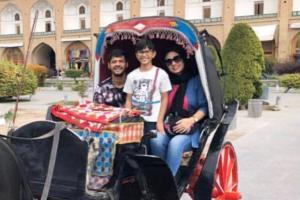 گردش استنلی کی روش مهاجم سپاهان با همسر و فرزندش در اصفهان +تصاویر
