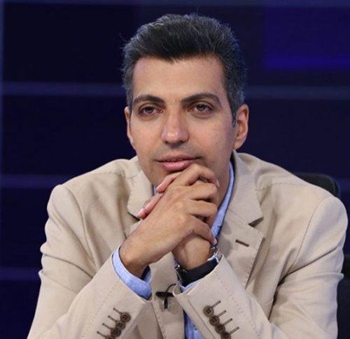 عکسهای یادگاری عادل فردوسیپور مجری ایرانی در کنار بازیگران استقلالی و پرسپولیسی!