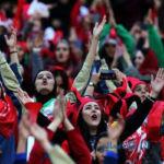 اوج هیجان تماشاگران زن فوتبال در هنگام خروج از ورزشگاه آزادی + فیلم