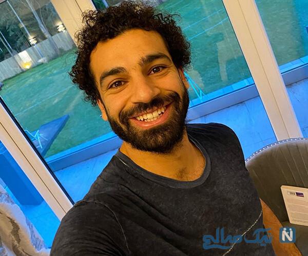 محمد صلاح در قرنطینه و عکس یادگاری با عروس و داماد مصری