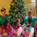 کریستیانو رونالدو با خانواده اش در جشن سال نو میلادی با تزئینات لاکچری