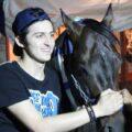 اسب جدید سردار آزمون و ماجرای اصطبل ۱۰ میلیارد تومانی وی