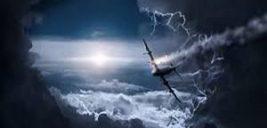 داستان آموزنده کشیش در هواپیمای طوفان زده