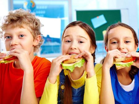 تغذیه ای سالم برای دانش آموزان