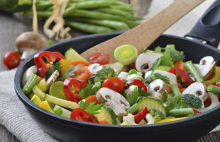 برای پختن سبزیجات از چه روش هایی می توانیم کمک بگیریم؟!