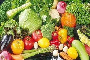 میوه ها و سبزیجاتی مفید برای درمان نفخ شکم!