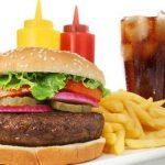 خطراتی که مصرف فست فودها به سلامت بدن وارد می کنند!