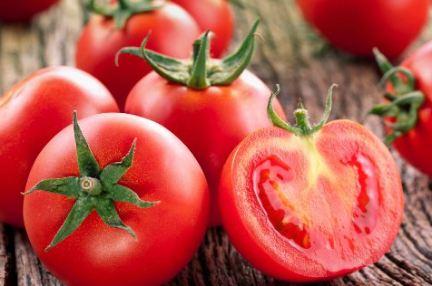 مصرف گوجه فرنگی می تواند باعث ابتلای ما به سرطان شود؟!