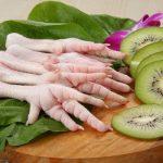خوردن پای مرغ چه کمکی به درمان پوکی استخوان می کند؟!