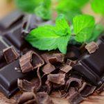 زمان مناسب برای خوردن شکلات تلخ را بدانید!