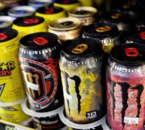 عوارض مصرف نوشیدنی های انرژی زا برای سلامت بدن!