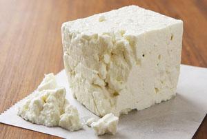 عوارض بیش از حد خوردن پنیر در صبحانه!