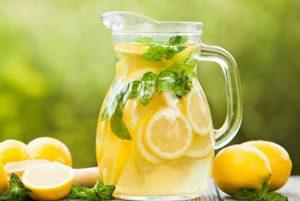 خاصیت نوشیدن آب به همراه لیمو در هر زمان از روز !