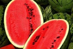 مصرف هسته هندوانه همراه با هندوانه