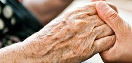 بلای وحشتناکی که یک پرستار به سر زن سالمند آورد