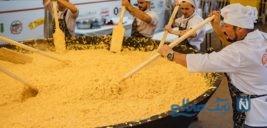 تهیه بزرگترین املت در روسیه با بیش از ۷ هزار تخم مرغ+تصاویر