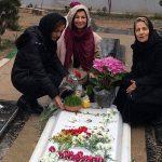 لیلی رشیدی و مادرش بر سر مزار داود رشیدی!+تصاویر