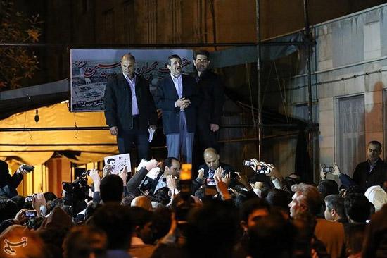 عکس های جشن تولد احمدی نژاد