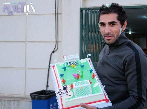 تصاویر:جشن تولد مهرزاد معدنچی درتمرین پرسپولیس با حضور بازیکنان