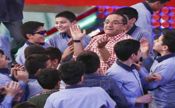 غافلگیری رامبدجوان در برنامه «خندوانه» و شنیدن اعتراضات دانشآموزان و معلمان!+تصاویر