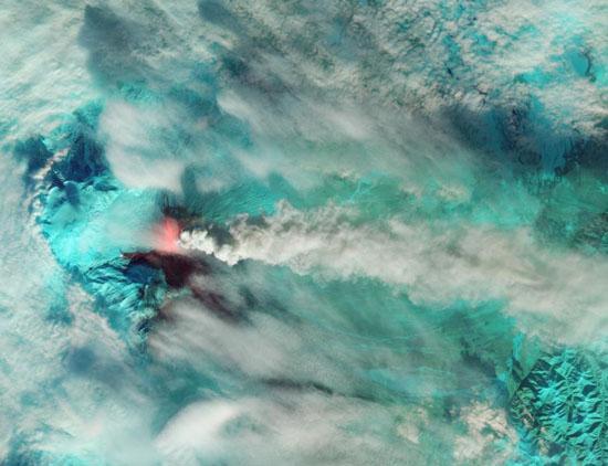 تصویر عجیب و تکاندهنده ناسا از فعالترین آتشفشان زمین