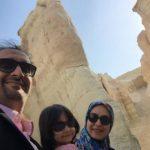 نیما کرمی مجری صداوسیما در کنار همسر و دخترش!