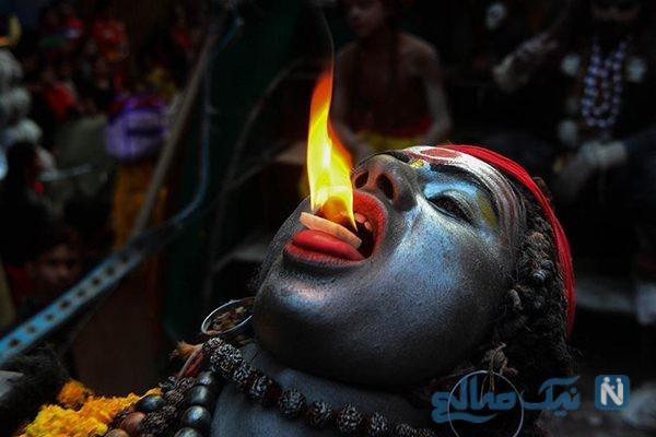 دیدنی های جذاب روز – سه شنبه ۱۴ اسفند! از کارناوال های خیابانی تا معبدی در کشمیر