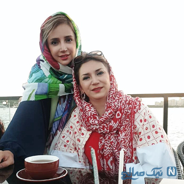شبنم قلی خانی با خواهرش