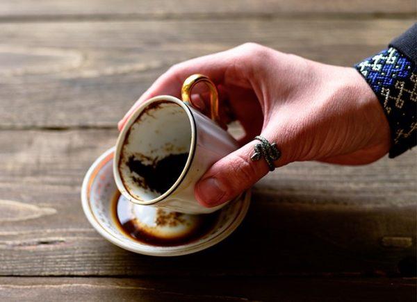 نحوه نیت کردن و گرفتن فال قهوه