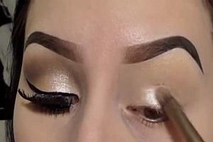 فوت و فن های سایه زدن بهترین راه برای زیبا ساختن چشمها