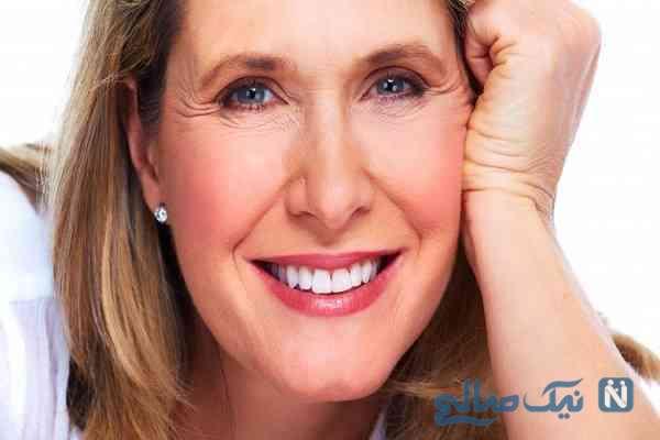 آموزش قدم به قدم رفع آثار پیری با آرایش