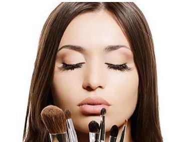 ترفندهای آرایش کردن برای داشتن یک صورت جذاب!