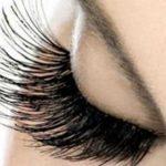 پرپشت کردن مژه ها یکی از بهترین راهها برای داشتن چشم هایی زیبا