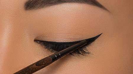 استفاده از خط چشم چه آسیب هایی به چشم های شما وارد میکند؟!