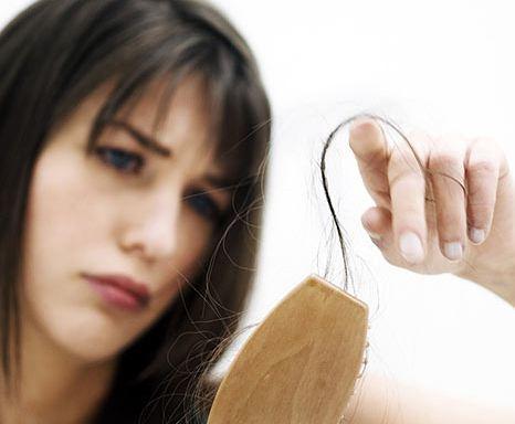 ریزش موی شدید در اثر چه عواملی بوجود می آید؟ و درمان آن چیست؟!