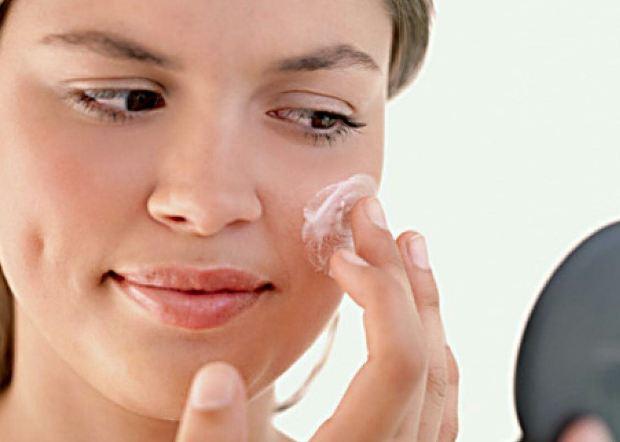 تبخال بر روی صورت شما جا خشک کرده! چاره چیست؟!