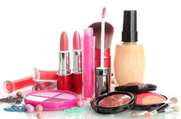 تهیه لوازم آرایش طبیعی در منزل خود را یاد بگیرید!