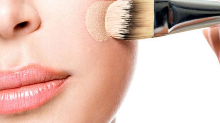 معرفی محصولات آرایشی پوشش دهنده برای پوست مستعد آکنه!